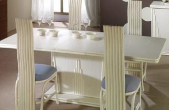 Chaise 531 en rotin – Table 567 en rotin