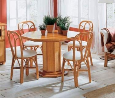 Chaise 513 en rotin – Table 049 en rotin