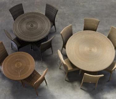 Chaise en résine ISABELLE - table en résine CIGALE