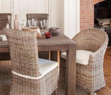 Chaise en kooboo gris AMELIE - Bridge de table en kooboo gris ROMAIN - table en tek DRIFT