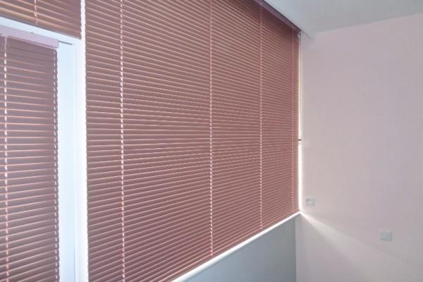 Store de fenêtre de maison - Roubaix